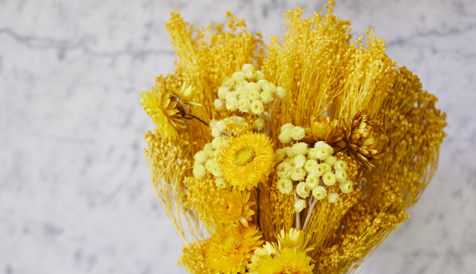 Dried bouquet of yellow flowers for friendship