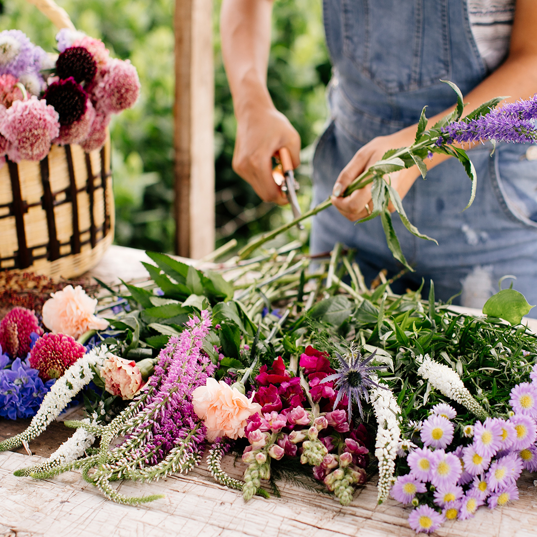 how-to-make-your-own-floral-arrangement