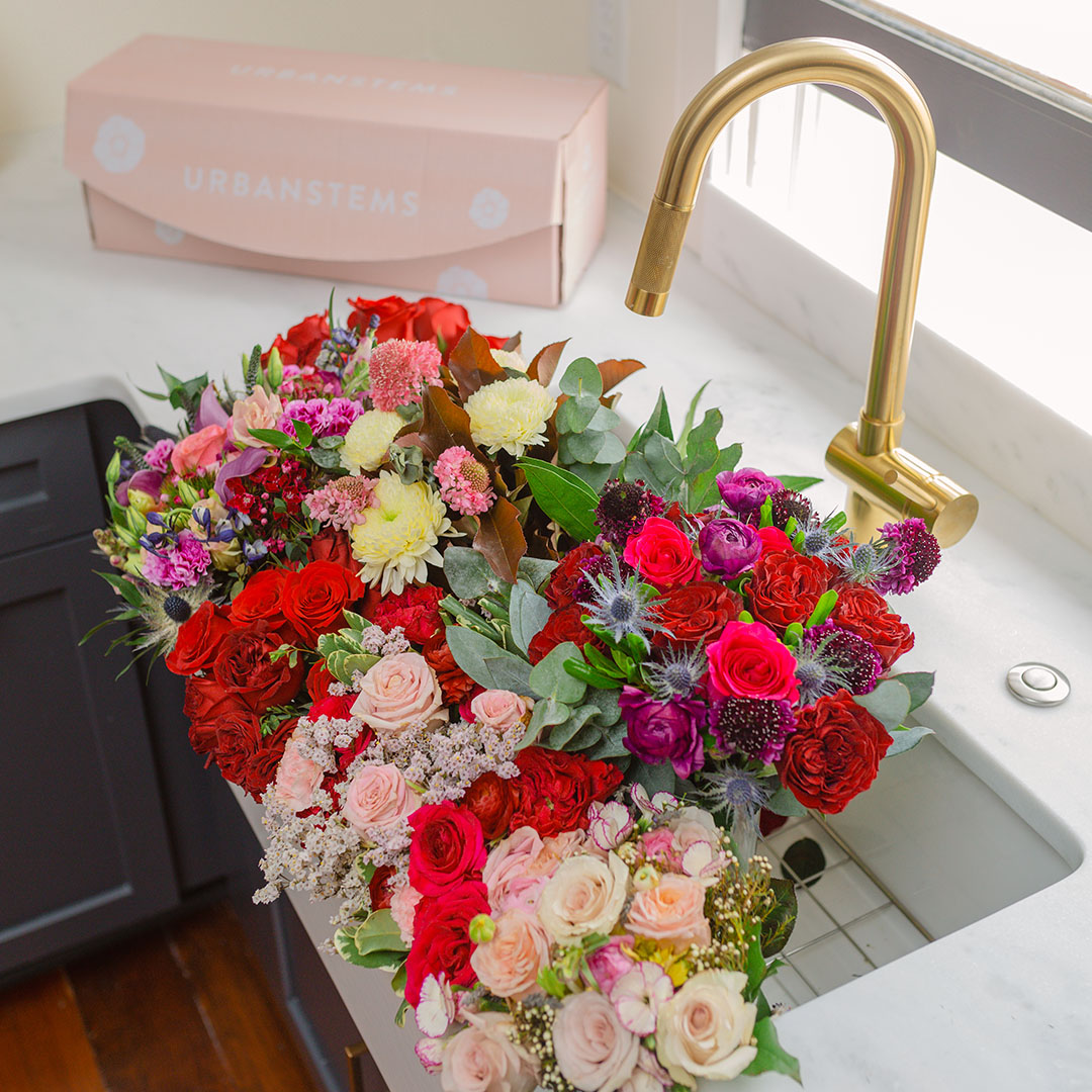why-you-should-send-a-flower-subscription-this-valentines-day